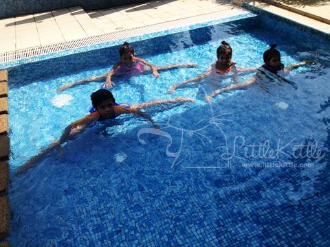 swimming-kids-littlekittle-2013-1
