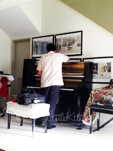 piano-tuner-littlekittle-2012-1