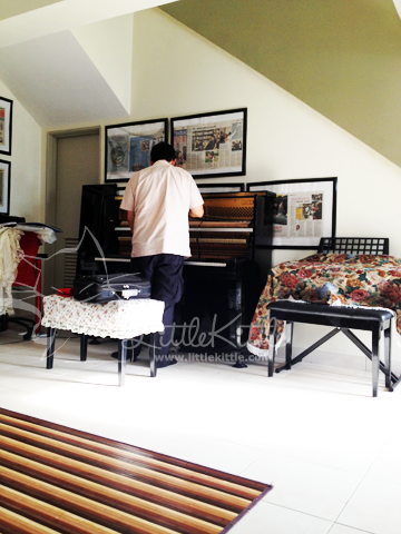 piano-tuner-littlekittle-2012
