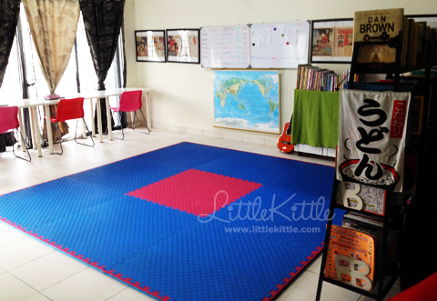 homeschool-room-littlekittle-2013-3