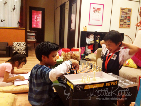 chess-kids-littlekittle-1